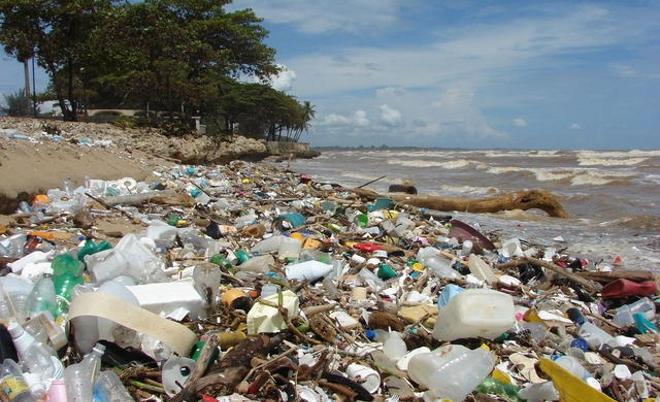 Playa-Plastica-en-Venezuela